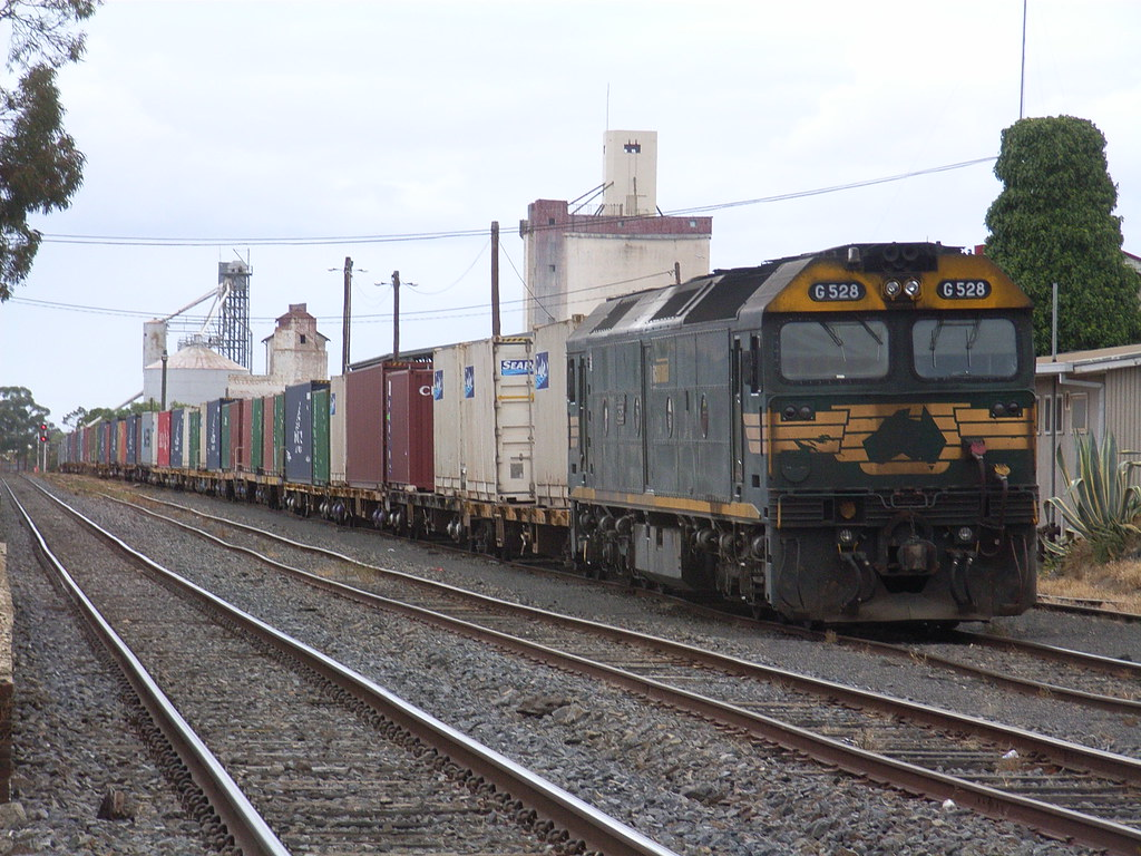 G528 sits at Horsham with the 9792 freight by bukk05