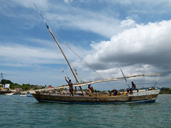 za, 27/10/2012 - 10:03 - 052. Dhow in Hellville, Nosy Be