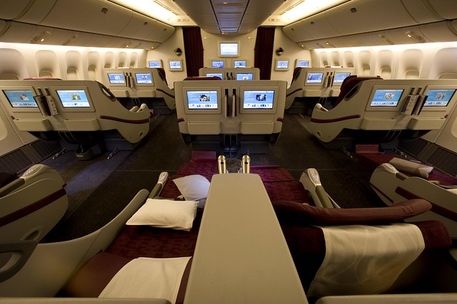 Pic 09 Qatar Airways' Boeing 777-200LR Business Class