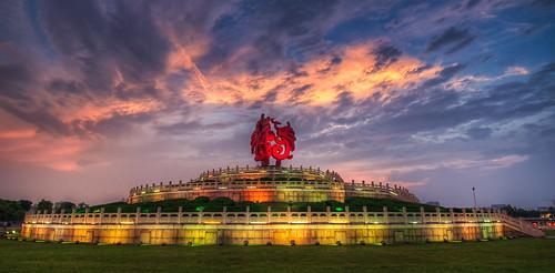 china light sunset cloud building statue architecture cn sunrise temple nikon cloudy outdoor landmark hdr d800 sqaure nikond800 jiangsusheng nanjingshi tamronsp1530f28