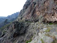 Campu di Vetta : départ de la vire du Tafonatu face W depuis son extrémité Sud