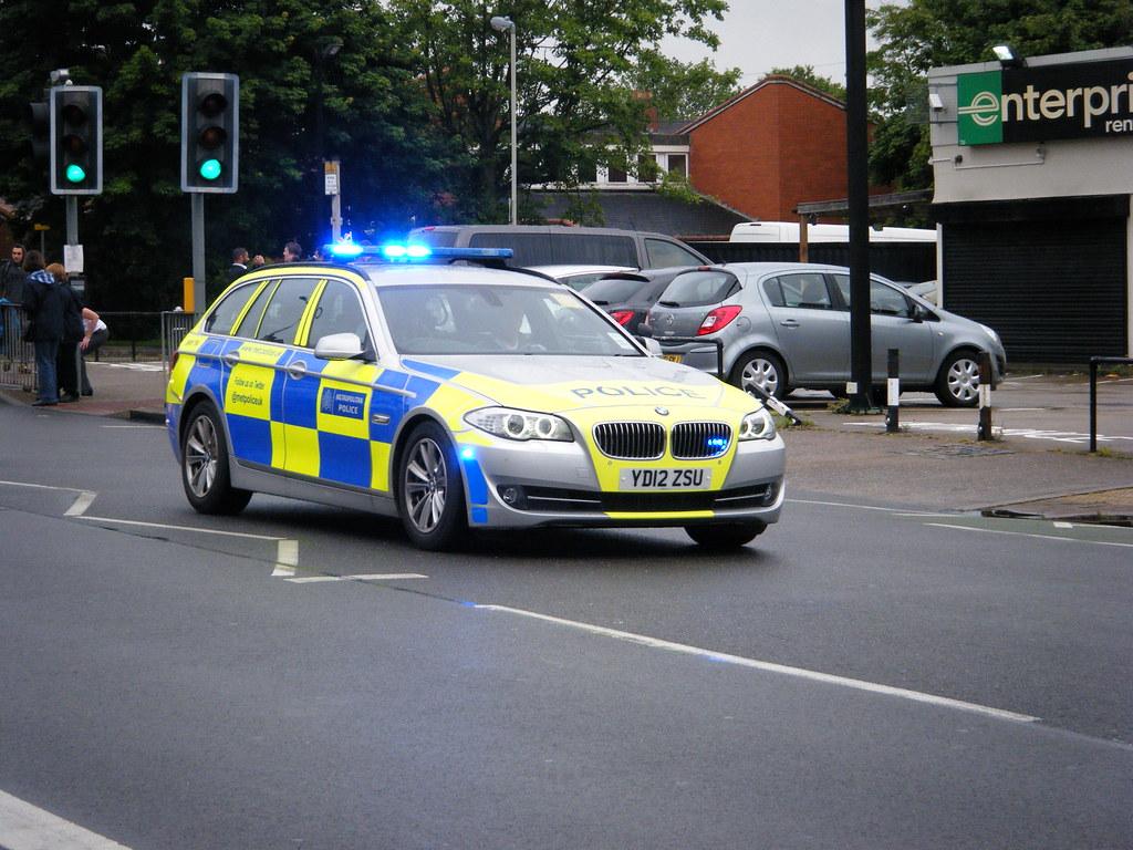 Met Police (YD12ZSU) BMWTR4