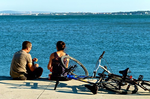 O casal e as bicicletas (The couple and their bicycle) | by pedrosimoes7