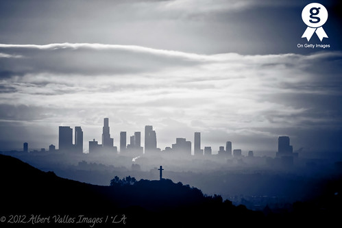 california skyline skyscrapers downtownla griffithobservatory hollywoodhills digitalphotography lasunrise ilovela creativephotography canoneosdigitalslr discoverlosangeles rebelt2i albertvalles lainblackwhite