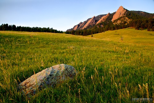 Morning at the Flatirons. | by Hot Meteor