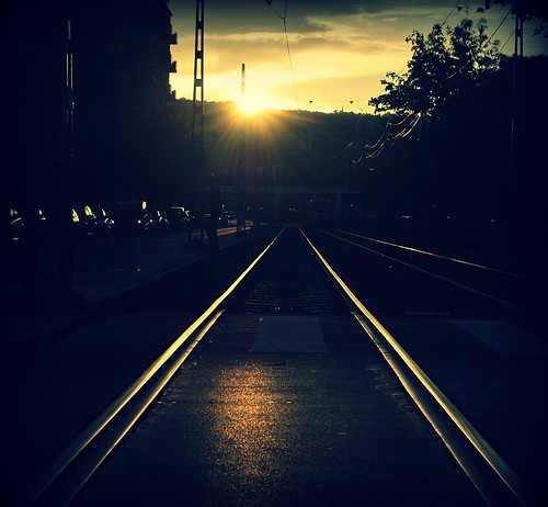 light sunset town budapest tracks railway palinta