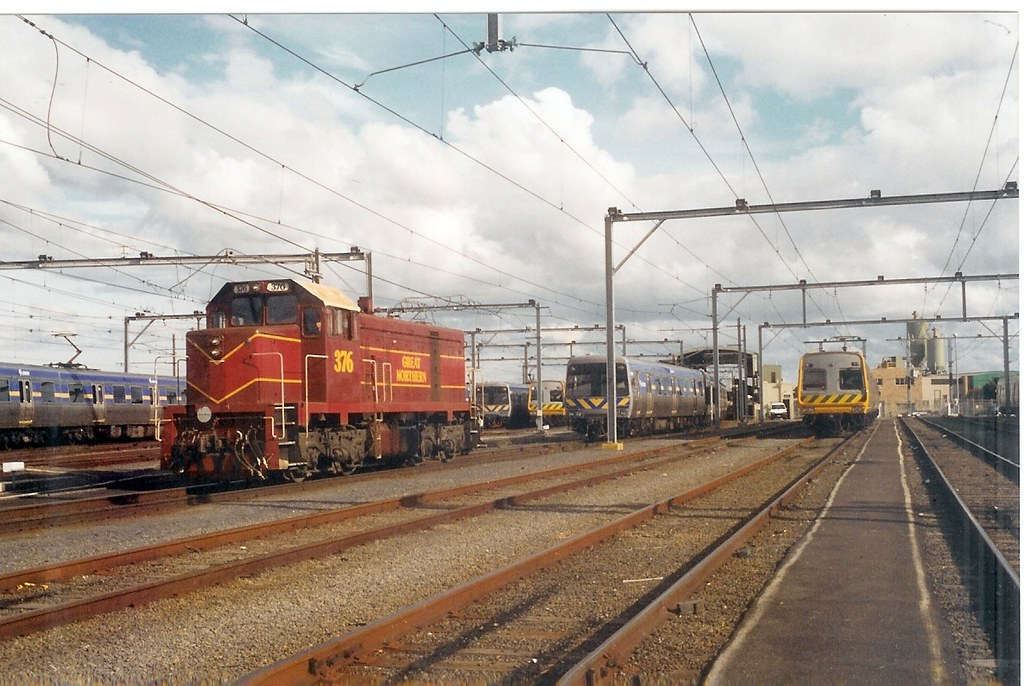 Reburbished Comeng delivered by Great Northern Rail T376 Epping 2001 by Robert Aquilina