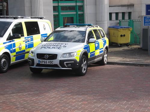 Mersey Tunnels Police Volvo XC70 (KP65 VDC)