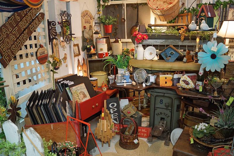 Spare Room Vintage Market 1820 Hewitt Avenue Everett, WA