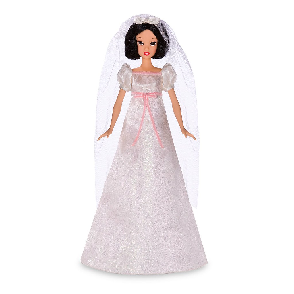 2009 Deluxe Snow White Doll And Wardrobe Play Set Disney Flickr