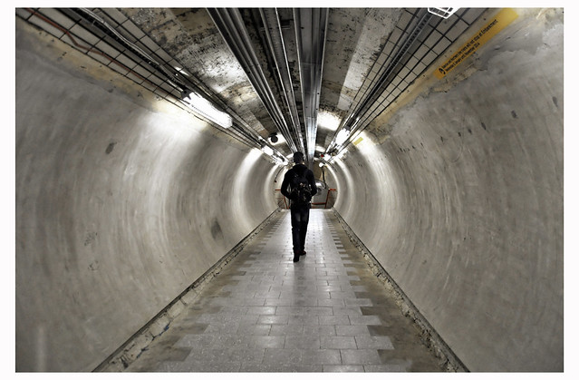 LONDON UNDERGROUND TUNNEL