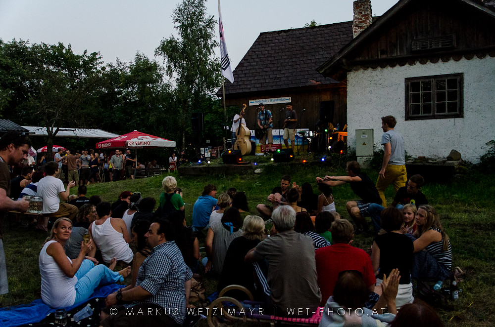 "Austrian Acoustic Folk band WHAM BAM BODYSLAM performing live @ Kiosk, Weyregg on July 27th, 2012  The other photos of that gig can be found at my blog. Check it out @ <a href=""http://wet-photo.blogspot.co.at/2012/07/wham-bam-bodyslam-kiosk-weyregg.html"" rel=""noreferrer nofollow"">wet-photo</a>!"