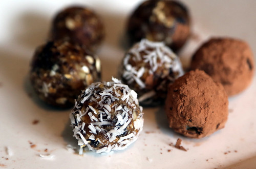 Nut Ball Cookies | by Joanna Slodownik