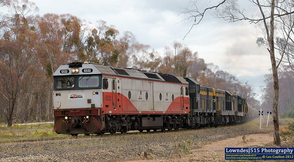 G532, T378, T341, T320 & T413 at Tarnagulla by LowndesJ515