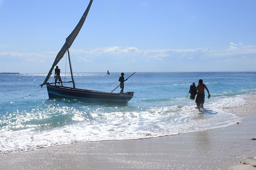moçambique mozambique ilhademoçambique mozambiqueisland ilha island africa provínciadenampula nampula nampulaprovince ilhadegoa goaisland oceanoíndico indianocean dhow nick ocean sea beach