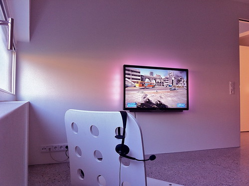 LED TV + XBOX 360 LIVE + ROOM = ? | by iBSSR who loves comments on his images