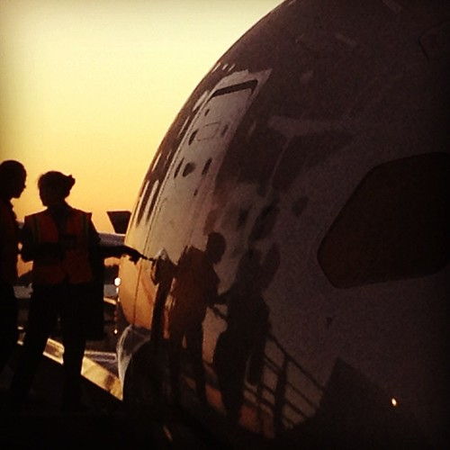 eamliner sunrise airport houston tx texas instagram app 787 dreamlinunriseairporthoustontxtexasususasquaresquare format iphoneography uploaded:by=instagram hefe foursquare:venue=4c157b0b77cea5935d57d260 iphone