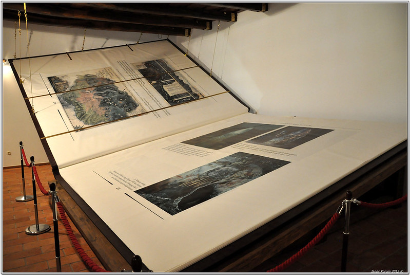 World´s Largest Book