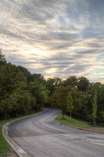 road trees sunset tarmac st clouds louis dusk mo missouri winding curve sinuous longandwindingroad 4778 4777 4779 maytheroadrisetomeetyou throwmeacurve