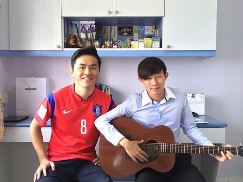 Beginner guitar lessons Singapore Lionel