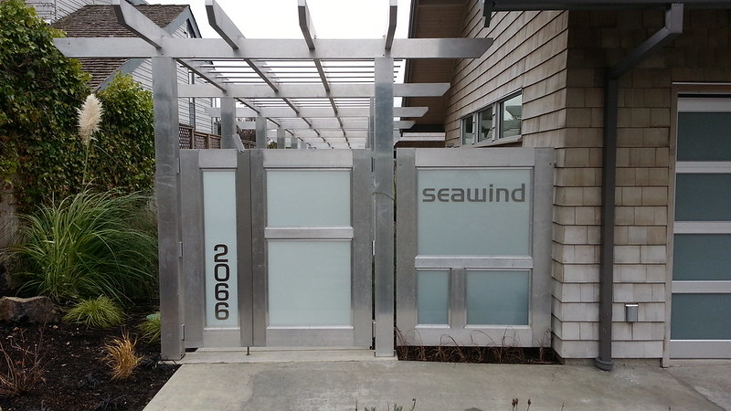 Seawind glass or plexi