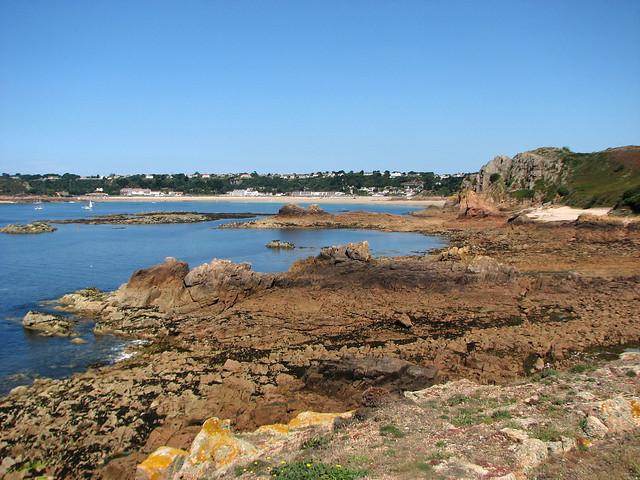 Ousaine Bay