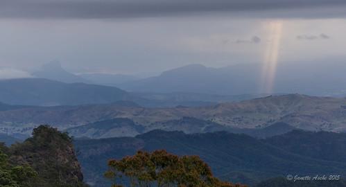 2015 australia janetteasche lamingtonnationalpark oreillys qld queensland sonya6000 unescoworldheritage scenicrim seqld sunbeam clouds cloudy mtlindesay mtbarney hills crepuscularrays