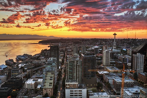 seattle sunset color clouds downtown spaceneedle elliotbay olympicmountains aerialsunset aerialseattle amazingseattlesunset aerialseattlesunset