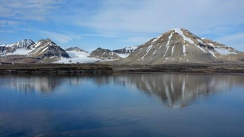 cruise wallpaper mountain snow ice norway fuji finepix po hd arcticcircle oriana 1080 spitzbergen x100 x212 kevinmillican