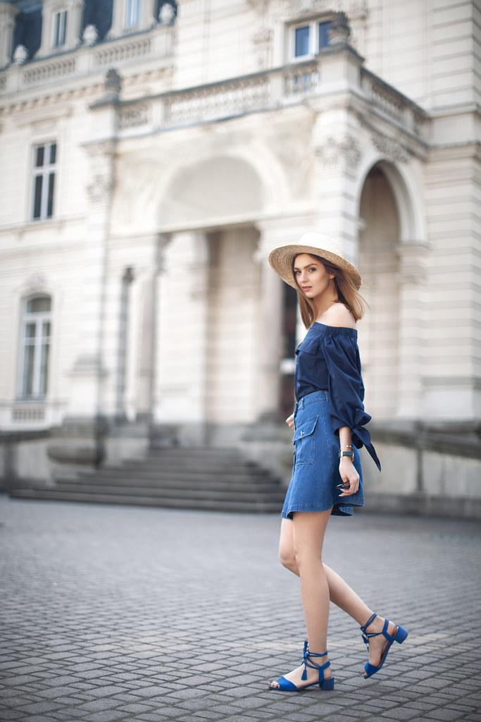 b5bc8c4cbb4fe denim-skirt-outfit-off-shoulder-top-lace-up-sandals-street…