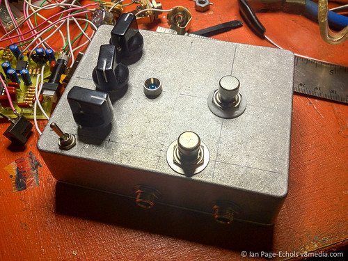 DIY Modded Rebote 2.5 Delay Pedal | by v8media
