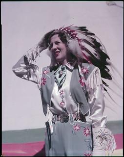 Mrs. Merle K. Stier, Queen of the Calgary Stampede, in costume / Mme. Merle K. Stier, Reine du Stampede de Calgary, en costume