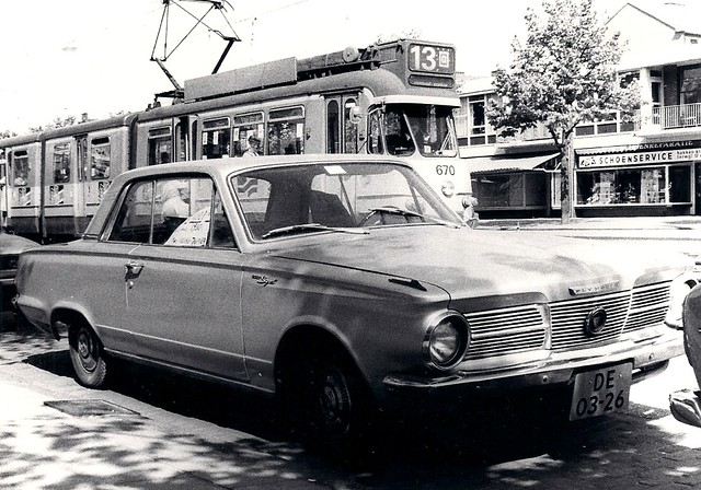 DE-03-26 Plymouth Valiant Signet 1965