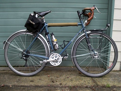 The Long Haul Trucker gets some bling: New Fenders and Crankset