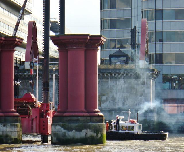 pink and smoke on thames