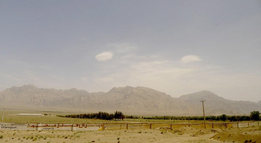 yazd-shiraz-L1020874