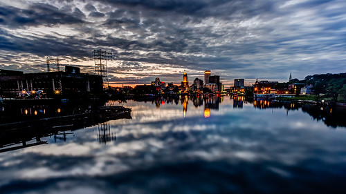 pictures city longexposure ri sunset skyline clouds canon reflections photography lights providence rhodeisland eastcoast 2012 scityscape easternspan bigstopper tobyharriman