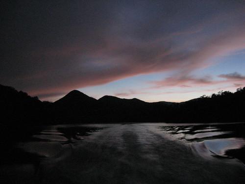 pink sunset sky cloud mountain lake reflection water rose lakesanteetlah bluewatersmountainlodge