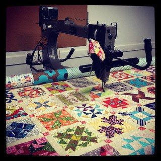 #Quilting the most ADORABLE farmer's wife sampler by @sasikirana !! Totally dying over the fussycuts | by Lindsay Széchényi