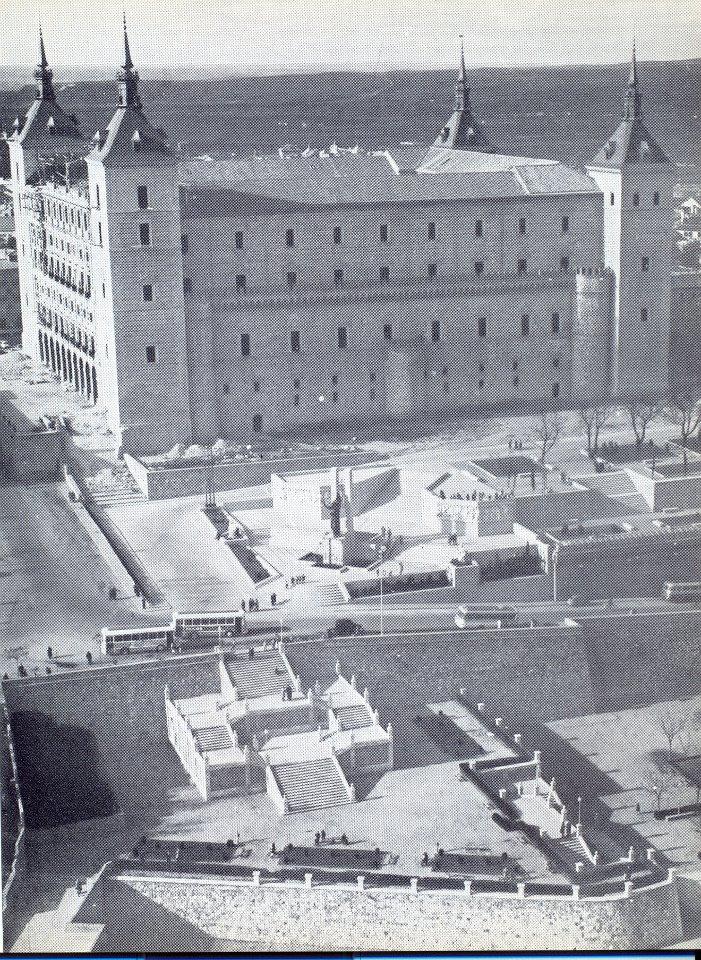 Vista aérea del Alcázar en 1966