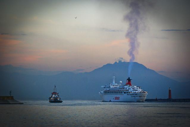 Vesuve view from Naples