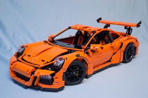 42056 LEGO Technic Porsche 911 GT3 RS - box 4 finished with wheels | by vynsane