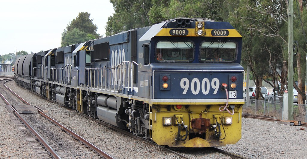 9009 leading a tripple 90 class coal service at Maitland by Nathan Hurn