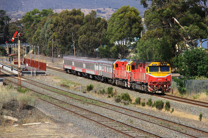Double N class on Albury passenger by David Arnold