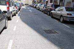 En la imagen se puede ver el estado del pavimento de Goienkale y de sus arquetas antes de su reparación.