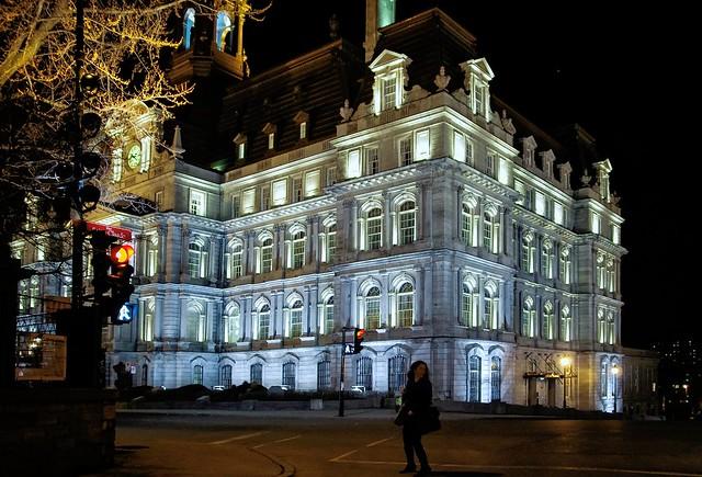 Hôtel de ville --- City hall --- Ayuntamiento