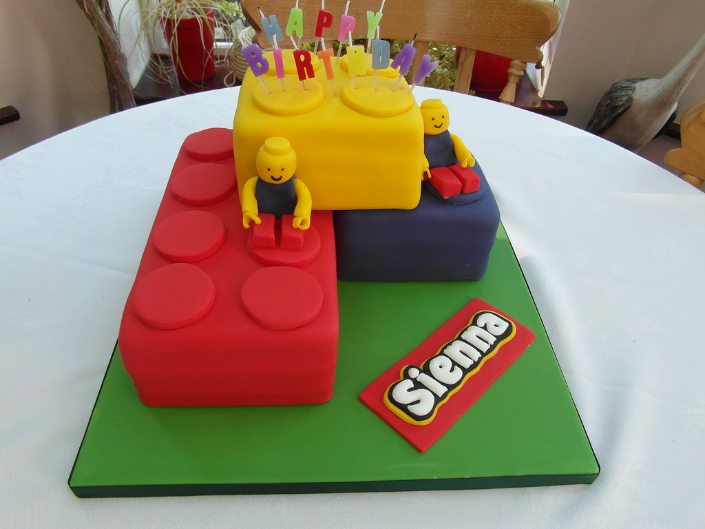 Fantastic Lego Birthday Cake Vanilla Sponge Cake Decorated With Hand Flickr Funny Birthday Cards Online Sheoxdamsfinfo