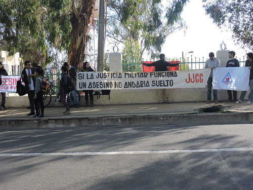 CTC acompaña a ex dirigente estudiantil torturado por Carabinero que asesinó a #NelsonQuichillao