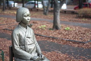 peace statue comfort woman statue 위안부 소녀상 평화의 소녀상 (3)   by CC0photo