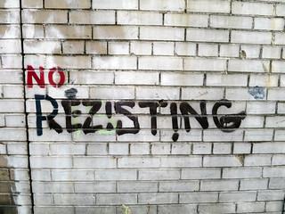 Rezisting | by Daquella manera